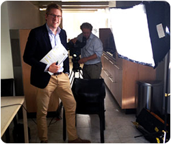 Jaïr Ferwerda is journalist, programmamaker en presentator. Hij maakt politieke documentaires, schrijft artikelen en presenteert televisieprogramma's.